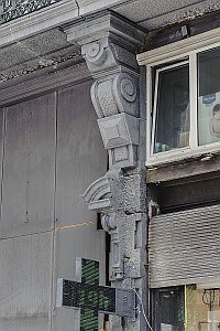 Anspach 61 detail 2 pilaster